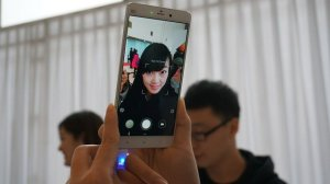 Mi Note punyanya Xiaomi, vendor asal China yang lagi naik daun (credit: nisbroth)